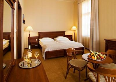 4 Elegantes Doppelzimmer Im Anna Grand Hotel Balatonfured